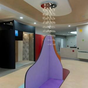 resine per pavimenti e rivestimenti con diversi metodi di applicazione