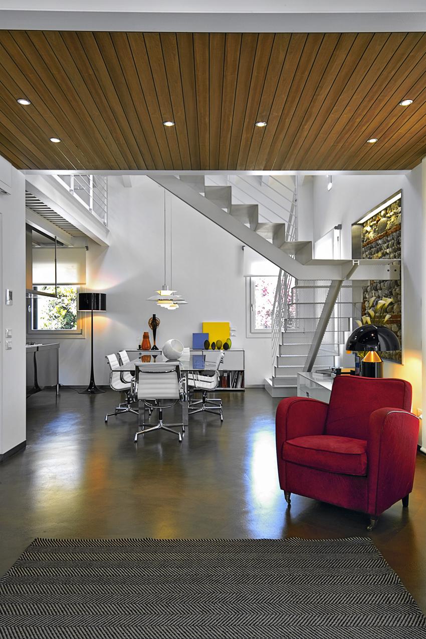 resina su pavimento e pareti per questo ufficio open space