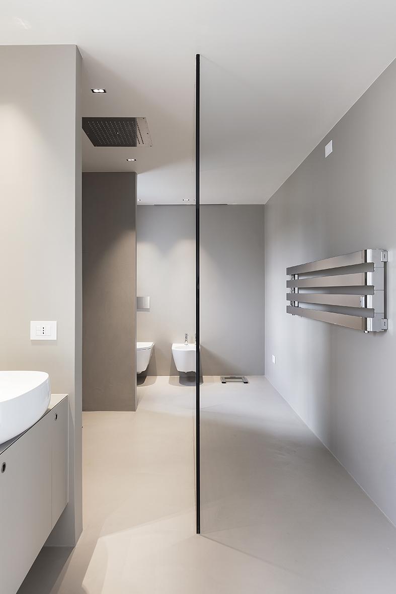 Resine per pavimenti pareti e arredamento elekta linea for Resina elekta