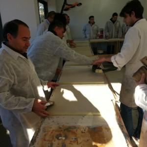 Imparare facendo: durante i corsi è possibile confrontarsi con professionisti della resina