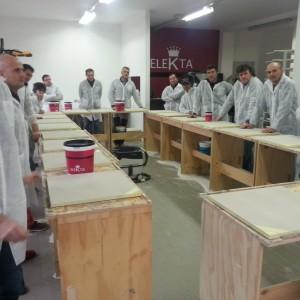 Momento in aula del corso per resinatori